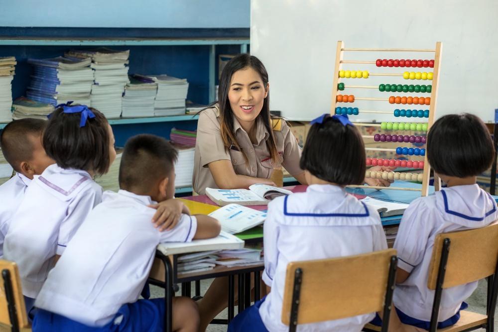 อาชีพคุณครู-ครูต้องเป็นมิตร