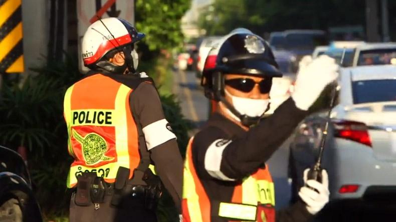 อาชีพตำรวจจราจร ต้องมีใจรัก