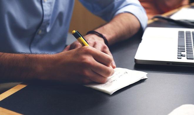 อาชีพเขียนบทความ แต่ล่ะคนก็จะมีความไวในการเขียนที่แตกต่างกันไป