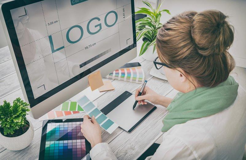 อาชีพ Graphic Designer